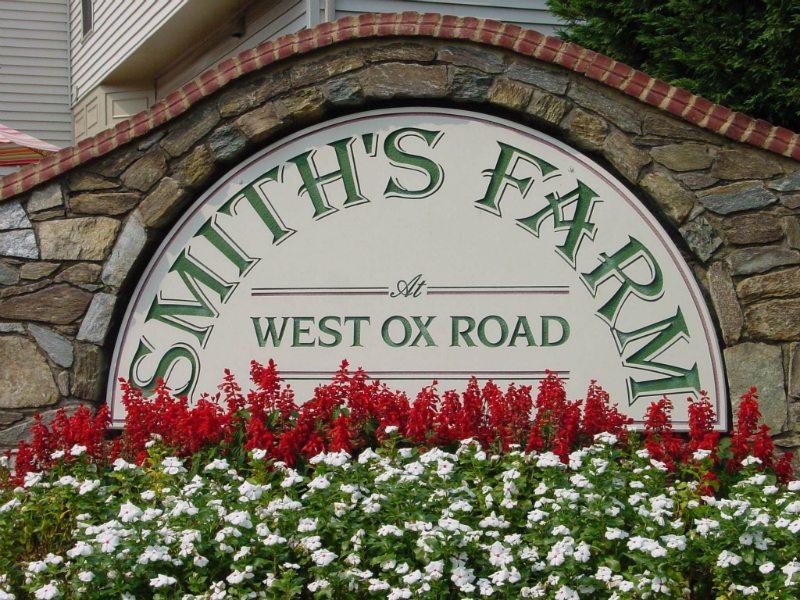 Smith's Farm Sign by Kline Memorials